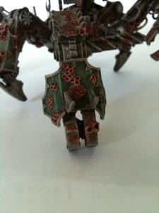 Die Cybotnahkampfwaffe(Klaue) ist auch innen gestaltet und wie üblich beweglich. Der Arm ebenfalls...
