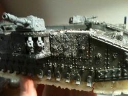 Die anderen Panzerplatten ließ ich ebenfalls altern...