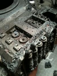 Der mutierte Motorraum des Seuchenspenders...